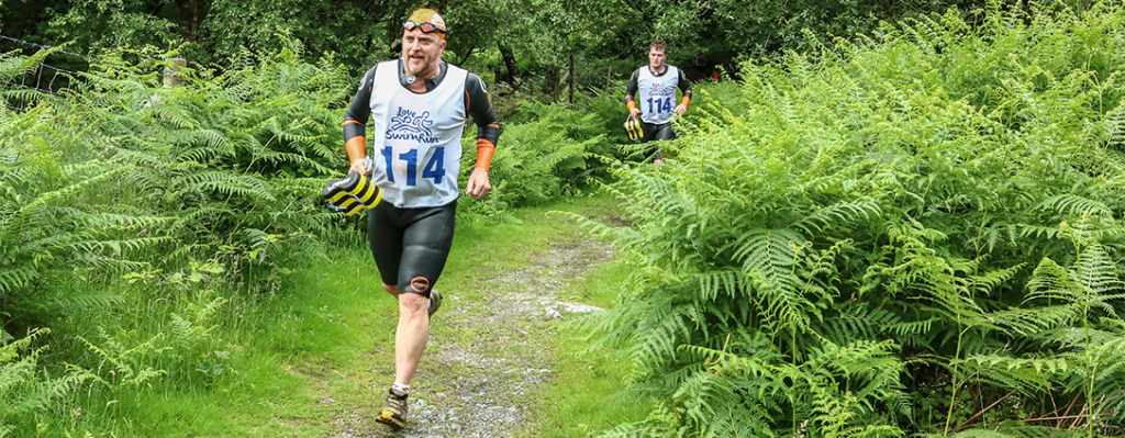 Love swimrun competitors running